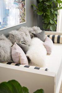 92e318508f3ee1b7d840fa723cf3db9f--fur-pillow-bolster-pillow