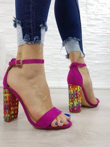 розови сандали на висок ток