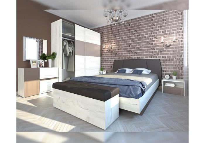 спалня с матрак